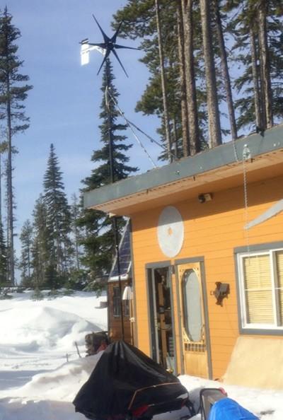 Wind-turbine-on-bunk-house